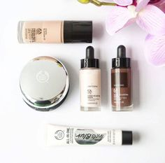 Stay polished, glowing but shine-free with this superstar kit of natural beauty must-haves.