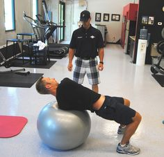 PGA Tour Pro Richard Johnson works on his golf fitness at the Joey D Golf Academy in Jupiter, Florida. He is using the GolfGym Balance Ball and a 10 pound weight. Here he is performing the Russian Twist exercise with Tour Coach Joey D. This should be Amazing! Check out:  http://powergolfprogram.net84.net