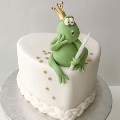 Heartshaped frog cake, indeed!