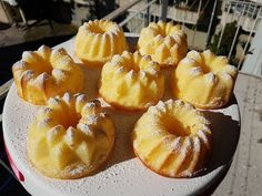 Cake Decorating Videos, Romanian Food, Good Food, Dessert Recipes, Food And Drink, Cooking Recipes, Sweets, Make It Yourself, Baking