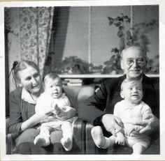 """Fra Emrys erindringer """"Minder gennem småt halvfjerdsindstyve år"""" findes der beskrivelse af, hvordan Julen i 1950 blev fejret på Marthavej 5, Holbæk. Emry Kølster - Marias Morfar - var lærer i Holbæk og kordegn ved Tveje Merløse kirke. Hvordan Julen blev fejret 1949 og 1950 er beskrevet i henholdsvis """"Julen 1949– Emrys referat fra Holbæk"""" og """"Julen 1950– Emrys referat fra Holbæk"""". Dette referat er tredje og sidste triologien."""