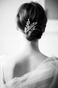 Picture of breathtaking jennifer behr bridal headpieces. Bridal Hair Pins, Wedding Hair And Makeup, Wedding Hair Accessories, Hair Makeup, Bridal Bun, Bridal Hairdo, Bridal Comb, Wedding Jewelry, Fashion Accessories
