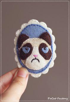 Handmade felt Grumpy Cat brooch