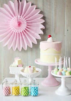 Leanne from Sweet Style created this simple, but very pretty birthday party Pastell Party, Ice Cream Party, Sweet 16 Birthday, Time To Celebrate, Diy Party Decorations, Sweet Style, Impreza, Craft Party, Princess Party