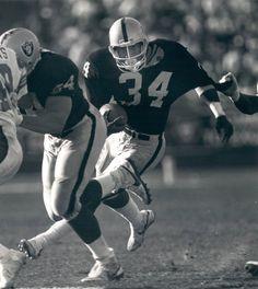 Bo Jackson was the man! Oakland Raiders Football, Nfl Football, Best Running Backs, Raiders Players, The Sporting Life, Raiders Baby, American Football Players, Bo Jackson, Sport Inspiration