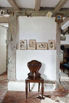 This Ivy House - annedebretagneduchesseensabots: La Chaise Ngoc. - This Ivy House – annedebretagneduchesseensabots: La Chaise Ngoc… - Cottage Interiors, Cottage Homes, Rustic Interiors, Cottage Living, Shabby, Ivy House, Farm House, Antique Chairs, Antique Furniture