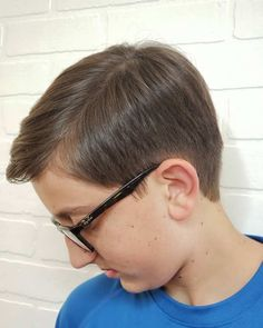 We all care for our beloved kids. Like we spend money on buying trendy clothes, shoes and other accessories to make them look adorable. But it is quite true… Little Boy Hairstyles, Hairstyles Haircuts, Braided Hairstyles, Children Hairstyles, Kids Hairstyle, Kids Cuts, Boy Cuts, Hair 2018, Little Boys