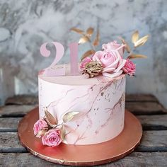 Happy Birthday Cakes For Women, Birthday Woman, Pretty Cakes, Unicorn Birthday, Cake Designs, Birthdays, Desserts, Instagram, Food