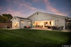 Photo of Listing #PW14249886 - Costa Mesa Custom Homes For Sale - Costa Mesa Luxury Real Estate http://www.bancorprealty.com/costa-mesa-ca-real-estate.php