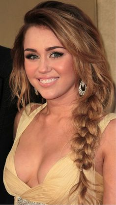 Miley Cyrus' hair actually looks good? Is that possible/? hahah jk her hair is always gorgeous :)