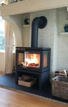 Dicker Geruch Vidar Triple Source by petradonders The post Dicker Geruch Vidar Triple appeared first on My Art My Home. Stove Fireplace, Diy Fireplace, Modern Fireplace, Fireplace Design, Fireplaces, Furniture Catalog, Home Decor Furniture, Wood Stove Surround, Freestanding Fireplace