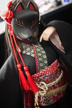"""Black kabuki mask, this mask wouldn't have been effective on stage but for private use and photos it is very bold and striking in its simplicity reminds me of the saying """"less is more"""" (http://lycorisoradiata.wordpress.com/2013/02/20/kimono-sora-and-sen-studio-photoshoot/, 2013)"""