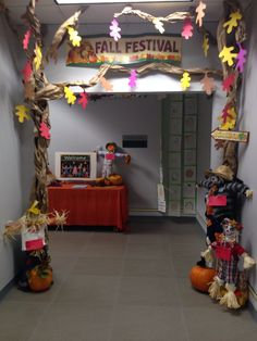 Decorated and ready for fall! This is the hallway just outside  the entrance to my classroom