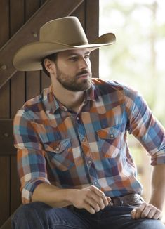 Cowboy Outfit For Men, Cowboy Outfits, Looks Country, Hot Country Boys, Funky Shirts, Cowboys Men, Men In Uniform, Perfect Man, Mens Clothing Styles