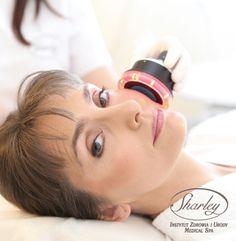 Ultradźwięki - Dogłębne działanie, widoczne efekty. Zabiegi wykorzystujące ultradźwięki, czyli częstotliwości niesłyszalne dla ludzkiego ucha, to bardzo skuteczne metody zaopatrywania skóry w niezbędne składniki odżywcze. Pomogą Ci skutecznie odmłodzić skórę i pozbyć się z niej zanieczyszczeń. Więcej: http://sharley.pl/index.php/oferta/twarz/odzywianie/ultradzwieki