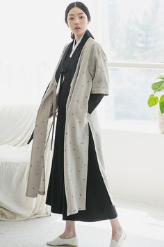 Tagged with harry potter, fashion; A Modern Witch Korean Traditional Dress, Traditional Fashion, Traditional Dresses, Japanese Fashion, Modern Fashion, Fashion Design, Korea Fashion, Asian Fashion, Runway Fashion