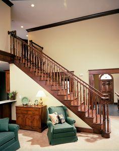 escalera recta en madera