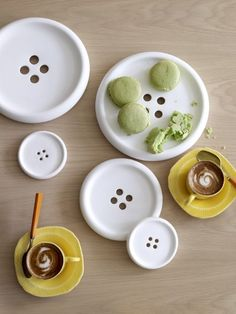 BUTTONS! buttons, buttons!  Button or plates. Plates or buttons? Love it! by carla