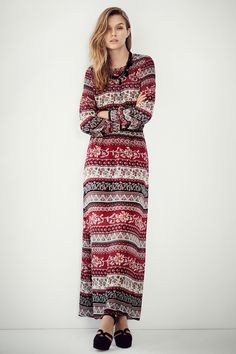 Embrace the autumn with a long-sleeved maxi dress in chiffon. | H&M Fall