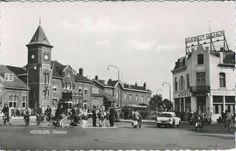 Leuk die fietsers, nog een oudje van het Stationsplein! Jaren zestig!
