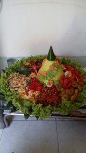 Madriga Catering 08118888653: Pesan Nasi Tumpeng Murah Di Bekasi