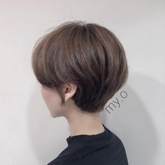 Image may contain: one or more people and closeup Short Hair Cuts For Women, Girl Short Hair, Short Hairstyles For Women, Korean Hair Color, Korean Short Hair, Shot Hair Styles, Top Hairstyles, Asian Hair, Hair Inspiration