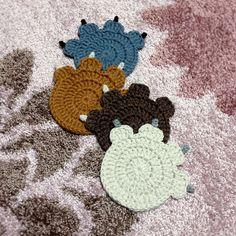 My Weedy Garden: Paw! Coaster - Crochet pattern diagram by E.K. Kim.