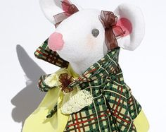Handmade fabric mouse doll, textile doll, animal doll, rag doll, chic home decore, home decore, gift for girl, cloth doll