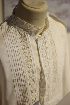Hardanger Embroidery, Swedish Design, News Blog, Traditional Outfits, Scandinavian, Men Sweater, Norway, Celtic, Model