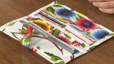 Carteira feita com tecido plástico (oilcloth)   Arte com Tecidos
