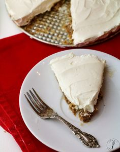 I really had no choice. A full size version of the miracle that is the single serving cheesecake seems no less than absolutely necessary. Short of choreographing an interpretive dance or writing a …