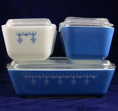 Would love to get my hands on a Pyrex refrigerator set.