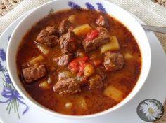 Kulinarne Szaleństwa Margarytki: Zupa gulaszowa