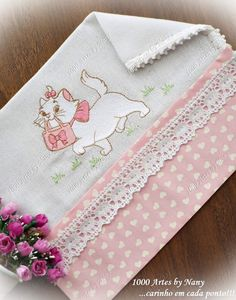 Baby Embroidery, Simple Embroidery, Machine Embroidery, Baby Knitting Patterns, Baby Sheets, Baby Crafts, Amigurumi Doll, Baby Booties, Fabric Painting