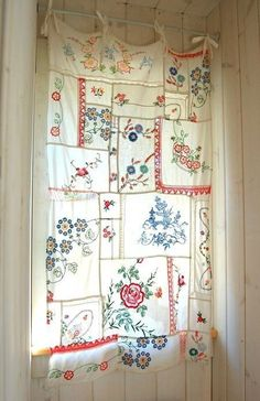 For The Love Of Life & Living — Via Pinterest Cortinas Shabby Chic, Rideaux Shabby Chic, Shabby Chic Curtains, Shabby Chic Kitchen, Shabby Chic Homes, Shabby Chic Decor, Curtain Alternatives, Casas Shabby Chic, Haus Am See