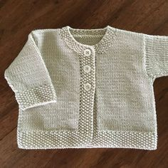 Baby Emily knitting pattern by Stella Ackroyd - Tricot gratuit phildar Baby Emily, Baby Cardigan Knitting Pattern, Arm Knitting, Knitted Baby Cardigan, Knitted Baby Clothes, Knitting For Kids, Knit Baby Sweaters, Christmas Knitting Patterns, Knitting Patterns Free
