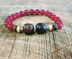 Jade vermelha, prata e madeira Insta @lararobask