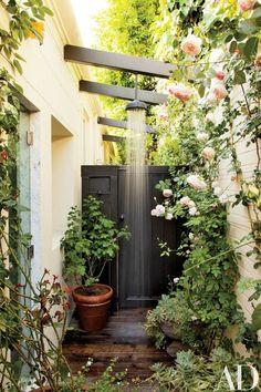 diseño de patio con ducha