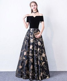 Modest / Simple Black Prom Dresses 2017 A-Line / Princess Off-The-Shoulder Short Sleeve Embroidered Floor-Length / Long Backless Formal Dresses Off Shoulder Evening Dress, Evening Gowns With Sleeves, Black Evening Dresses, Black Prom Dresses, Formal Dresses, Prom Dresses 2017, Long Prom Gowns, Prom Party Dresses, Simple Black Prom Dress