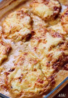 Μυρωδιές και νοστιμιές: Ζουμερές μπριζόλες με πατάτες και σάλτσα μανιταριών στον φούρνο