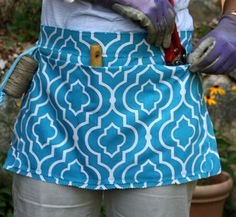 Sew A Garden Apron! --> http://www.hgtvgardens.com/photos/diy-gardening-apron-craft?soc=pinterest