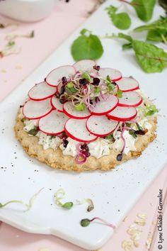Tartelettes aux flocons d'avoine germée, fromage frais et mix de radis germés   Germline, spécialiste de la germination et de l'alimentation vivante biologique