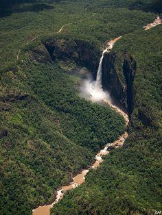 Wallaman Falls during the wet season, highest waterfall in Australia (by lelebebbel).