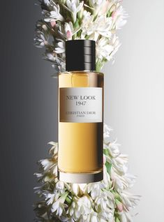 Dior - La Collection Privée - Photographer Guido Mocafico Styliste florale Amy Humphreys #perfume #tubereuse