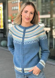 Garnpakke: Gretekofte i Alpakka Forte - Knitting Inna Double Knitting, Free Knitting, Halloween Knitting Patterns, Mosaic Knitting, Ravelry, Norwegian Knitting, Honeycomb Stitch, Cardigan Design, Crochet Headband Pattern