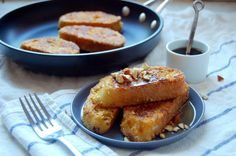 A simple recipe for Almond Crusted French Toast - an indulgent idea for weekend breakfasts! | uprootfromoregon.com