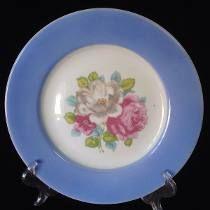 Prato De Parede Porcelana Rio Branco Medalhão Floral - R$120,00