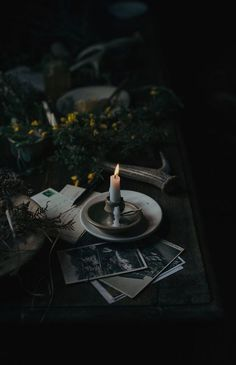 Food photography / visual storytelling workshop in beautiful south of England – Burning candle, dark photography, flowers Dark Green Aesthetic, Gothic Aesthetic, Slytherin Aesthetic, Witch Aesthetic, Book Aesthetic, Aesthetic Pictures, Travel Aesthetic, Aesthetic Tattoo, Artist Aesthetic