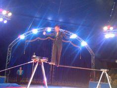 equilibrista nel circo dove opera Ottavio Belli