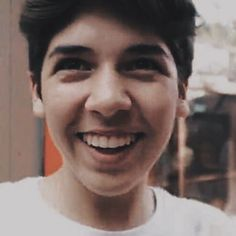 should I post a permanent selfie ?? // look at that cute smile aw - @marioselmanspam @itsmarioselman #itsmarioselman #marioselman
